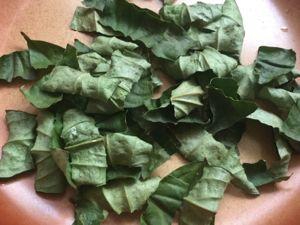ピパーチの葉 乾燥